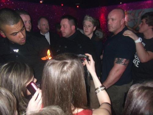 Niall has so many security!
