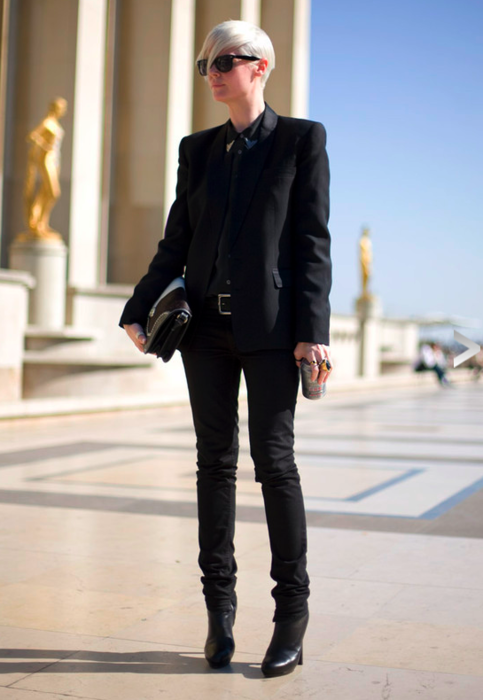 LOVE ME SOME KATE LANPHEAR -Elle Mag's editor! Everyone knows all black is EVERYTHING!
