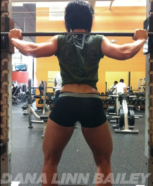 shortandbuff:  those are the kind of legs I love!