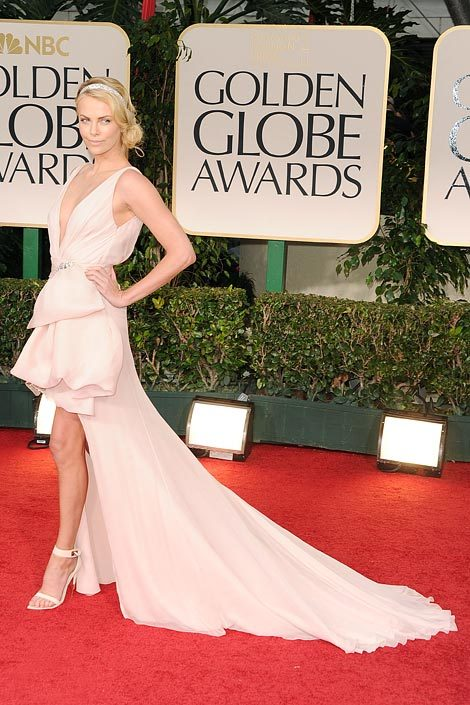 elle:  Golden Globes Best Dressed Check out over 40 of the most stylish red carpet looks from tonight's Golden Globe Awards. Photo: Getty Images