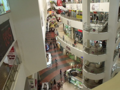 s-h-e-m-e-s-h:  Shopping mall in Tel Aviv with seven floors. Who says there's no shopping in the Middle East?  This is where I went to look for boots on Sat night. Of course I found nothing. I HATE THE WAY THIS PLACE IS BUILT it's so inconvenient getting around… And I ALWAYS get lost. Always. But I love it still :P