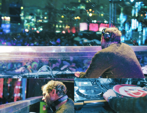 Making a video of Igloofest, a three weekend outdoor electronic music festival in Montreal.  Bring your snowsuit! www.stevesigloo.com