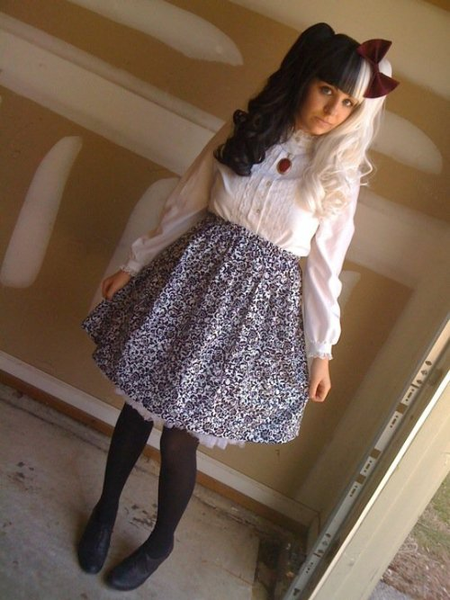 justcallmeprince:  Old picture, but I still love this look ; u ; <3 It's just so simple, you know? ^u^