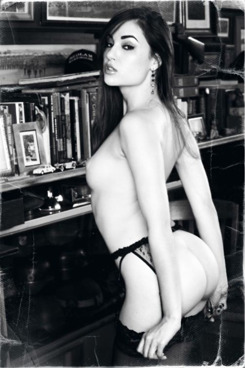 onlyyouthinkitsasecret:  Sasha Grey