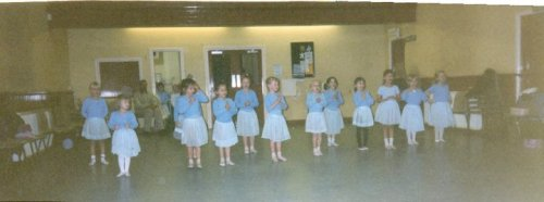 unicorn-cunt:  me at dance years ago lol  omg i remember this. hey me.