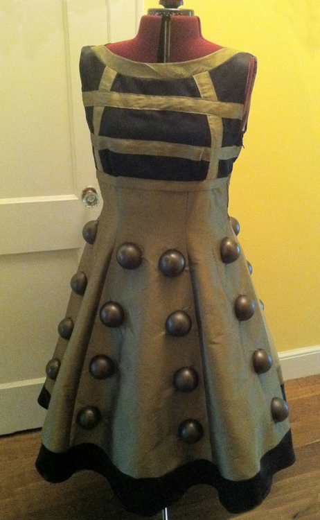 Dalek Dress jollyrancher82:   Reddit user somevelvetmorning created this absolutly stunning Dalek dress. I think I'll have to make one myself; and she and I can walk around accosting anyone in either a bowtie, trenchcoat, or long scarf. EXTERMINATE! Link to the thread.   Super cute!