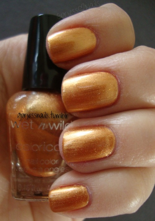 Wet N Wild ColorIcon Mini. (bronze-y gold-ish) Sorry these don't have names. :(