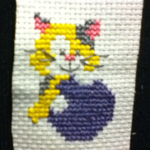 New one I finished! What a cute kitty! Still not my design tho!