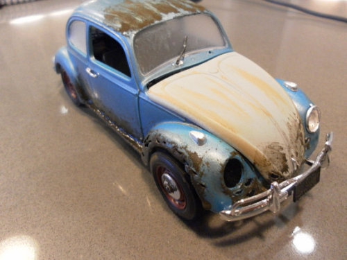 ClassicWrecks takes model cars and makes them into wrecks. Beautiful decay. Thanks for the submission desjardins!