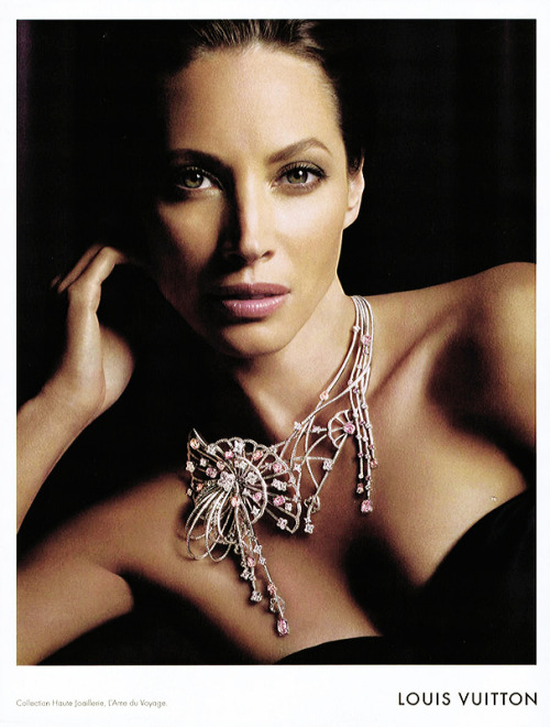 Christy Turlington for Louis Vuitton // sirupeux-amour:jardin-de-moda