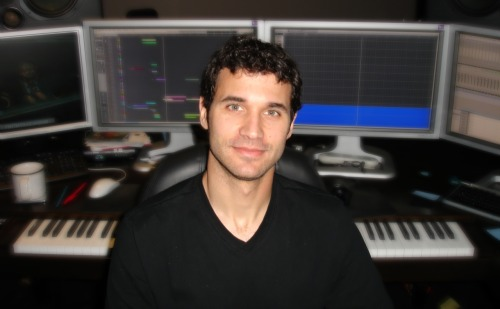 wicnet:  conscious-soul:  the guy who make the most of epic of music for game of thrones and person of interest!  Winter: Looking forward to seeing what Djawadi can do in season 2, now that he has had plenty of time to prepare.  MOTHER OF GOD. Why didn't someone tell me the amazing composer for the show was also Grade A Hotness?