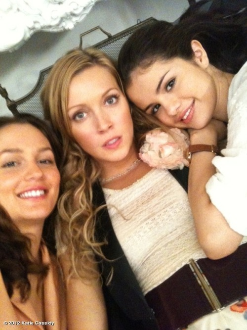 How do I miss these ladies!!! @selenagomez @itsmeleighton