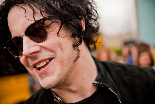 jackwhitedoingthings:  jack white just showing off his dimples.
