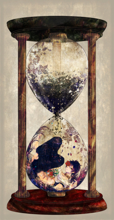 leilockheart:    via    This is one of the most beautiful hourglasses I've ever seen.