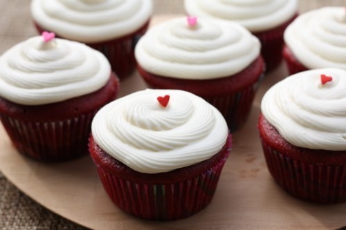 RED VELVET MAKES THE WORLD GO 'ROUND <3