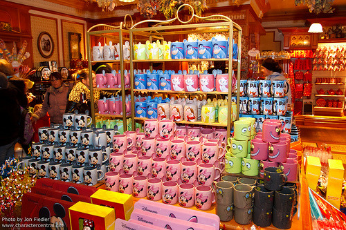 DLP Dec 2011 - Shopping on Main Street USA (by PeterPanFan)