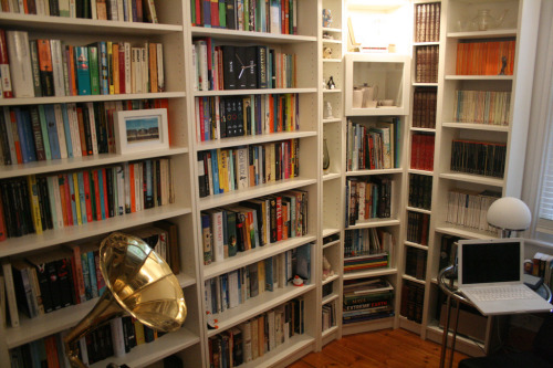 "How to Say ""I Do"" to Shared Bookshelves Without Ruining Your Relationship Honestly, this is the thing I worry about most when I think about moving in with my girlfriend. Bookshelf management. Well, that and merging our iTunes libraries. (photo via Flickr user G Travels)"