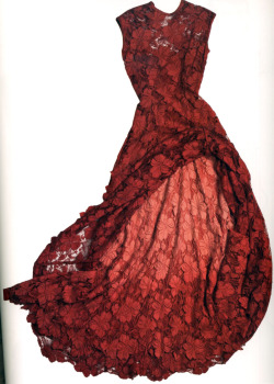 Isabel Toledo know's how to do red lace…. Fashion intellectuals still have a place