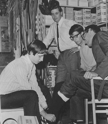 thetruefootball:  Cruyff working at a shoe store when he was a teenager.