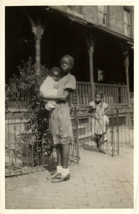 Daisy & Baby, 1936 [Spence Family Album] ©WaheedPhotoArchive, 2011