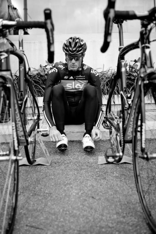 (via Salvatore Puccio takes a rest after a training ride Photos | Cyclingnews.com)