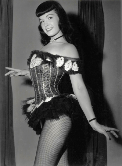 legrandcirque:  Bettie Page, 1950s