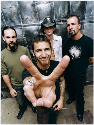 kymo76:           I am listening to Godsmack                                      Check-in to               Godsmack on GetGlue.com