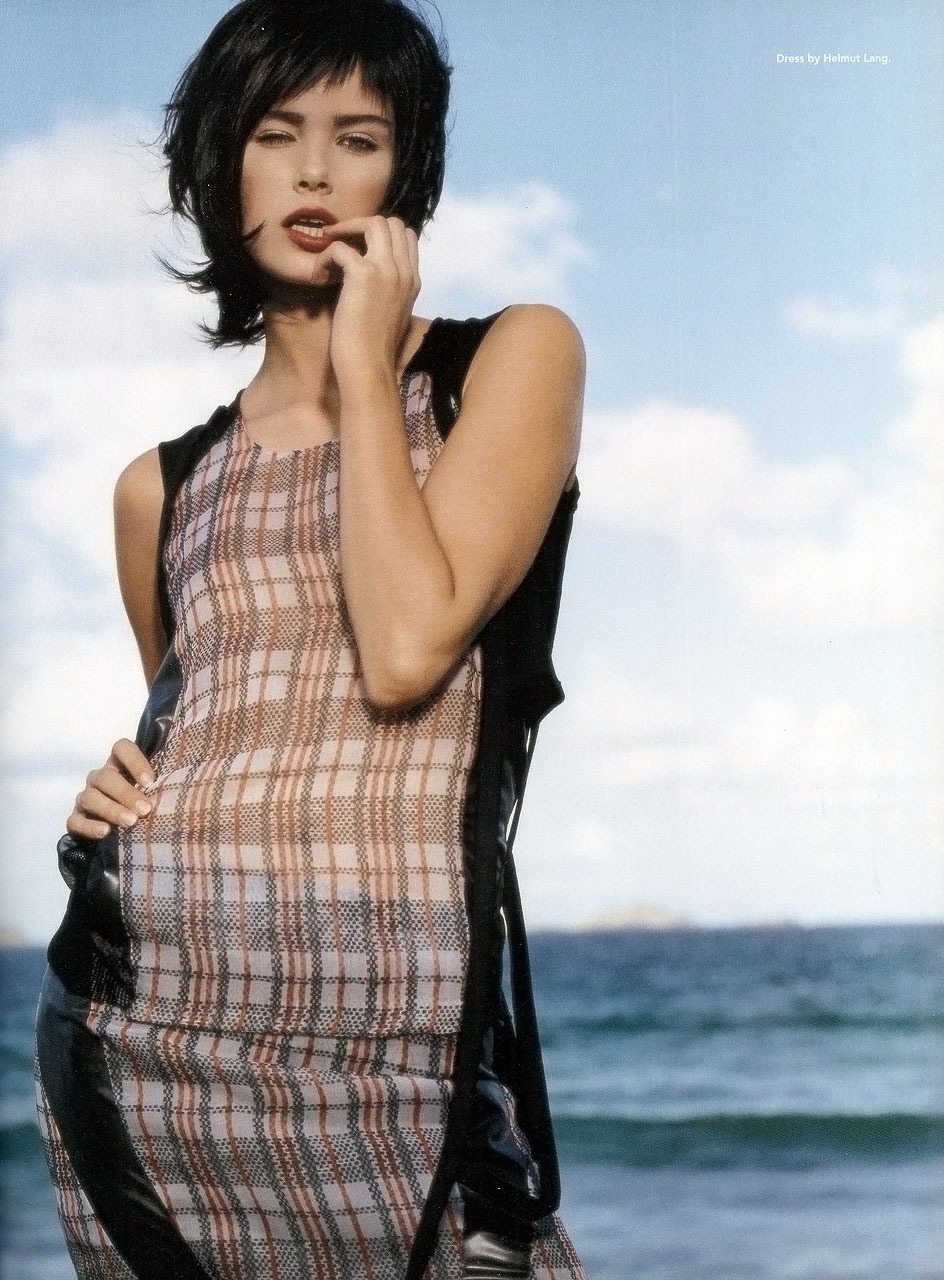 Find Your Wave  dress by helmut lang  photography patrick demarchelier styling havana laffittemodel dewi driegen i-D magazine, the beach issue, march 2003