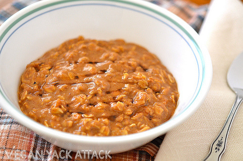 Gingerbread Oatmeal A delicious, cookie-inspired breakfast that's filling and flavorful! Get the recipe at Vegan Yack Attack!