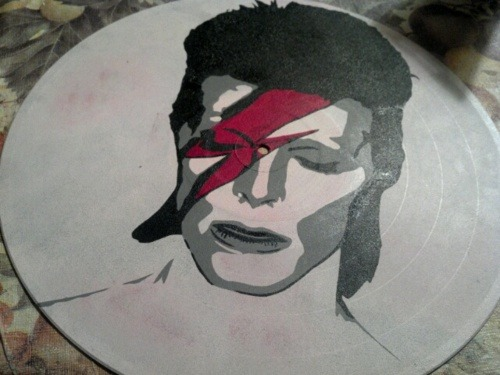 valderieoriginals:  Custom ordered David Bowie painted record