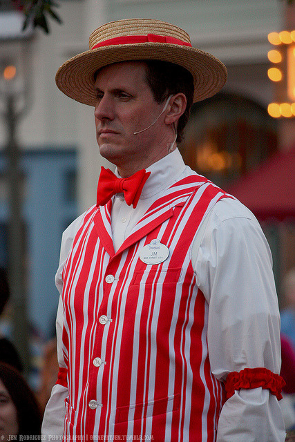 sweetyellowtulip:  disneybyjen:  Jim - Flag Retreat on Flickr.  Jim you're my hero!! ♥♥  Forever reblog.