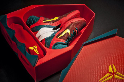 "hypebeast:  Nike Kobe VII System Supreme ""Year Of The Dragon"" Pack  Daaaaamn this pack is on fire!"