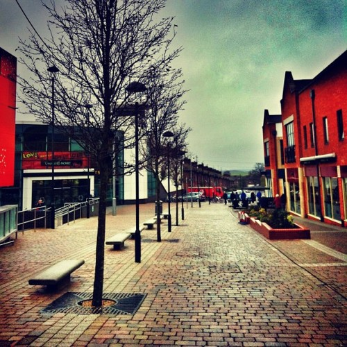 Town shot again…                                 #town #shops #trees #leadinglines #architecture #art #pattern #hd #iphoneography #insta #popular #sky #cold (Taken with instagram)