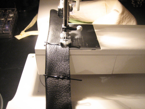Sewing leather straps for bags