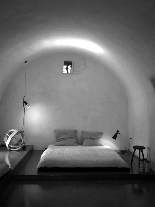 oliwrr:  (via luca zanaroli: countryside home in salento)