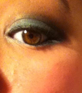 Green smokey eye.