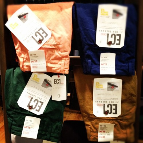 oncewheniwas:  Awesome color chinos @bensherman #projectshowny  (Taken with instagram)