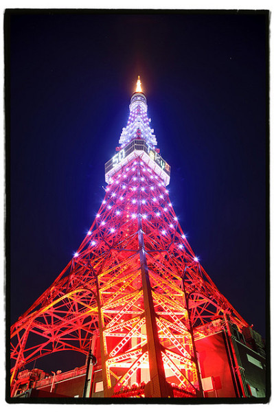 japanlove:  Tokyo Tower Japan by hashiee on Flickr.