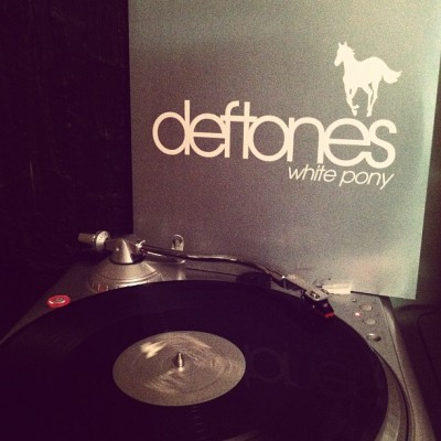 the third LP i received in the mail today! #deftones #whitepony #records #vinyl #vinyligclub #lps #turntable #nowplaying #nowlistening (Taken with instagram)