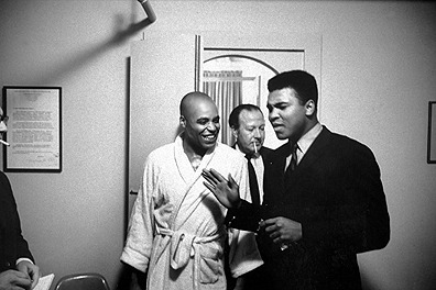 Muhammad Ali and James Earl Jones after a performance of The Great White Hope in 1968. I wish I had found this picture for our Vintage Black Glamour Birthday party yesterday (Jan 17th!) Photo by Bob Gomel/Timepix.