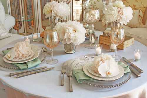 soulweddings:  french vintage- peonies  so much elegance!