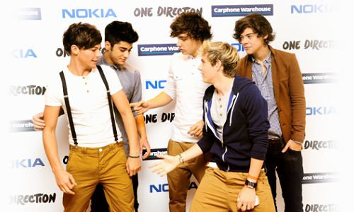 "What is it about Louis that just makes everyone want to touch him? And look at Harry! He's looking at him like ""just you wait. When I get closer to you my hands are going to be all the fuck over you so watch out, gorgeous.""  Maybe he's got a super power? Make-Everyone-Want-To-Touch-Him-Powers? IDK but I would read the fuck out of some Larry Stylinson fic where they have superpowers."