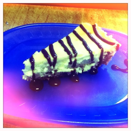 Toffee Cheesecake with Chocolate Sauce Chunky Lens, Blanko Film, No Flash, Taken with Hipstamatic