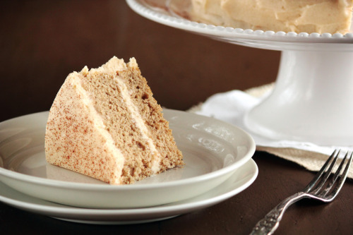 gastrogirl:  cinnamon sugar cake with brown sugar cinnamon buttercream.