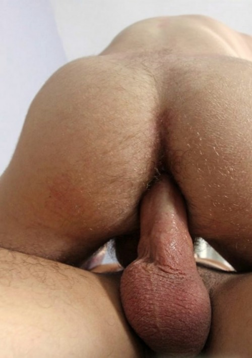 christiancock:  Satisfied bottom