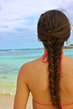 fyeahbraids:  Waterfall into a fishtail braid I did on my sister :)