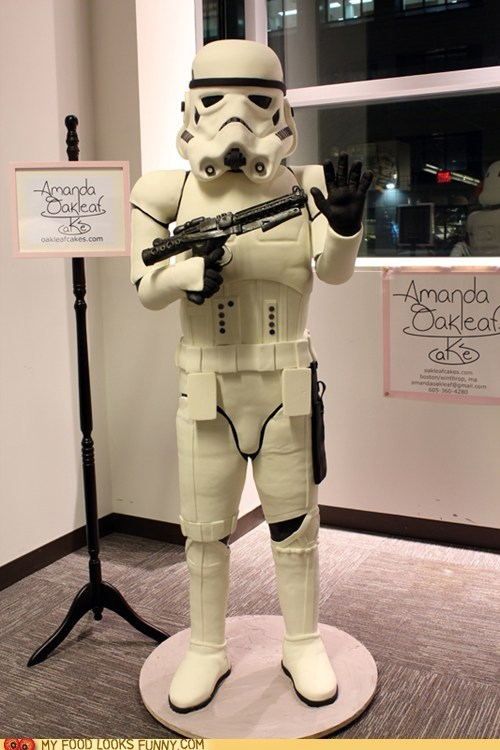 nerdycookies:  Star Wars fans, they never cease to amaze with their devotion.  (via Life Sized Stormtrooper Cake - My Food Looks Funny - Funny Food Photos)