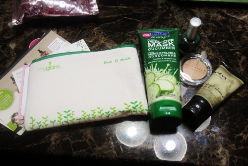 My January 2012 Glam Bag! -Sheer Cover Duo Concealer in Light/Medium -Wen Sweet Almond Mint Cleansing Conditioner (SMELLS SOOOOOO GOOD OMG) -Freeman Cucumber Facial Peel-Off Masque & Sachets -theBalm Cosmetics Hot Ticket Nail Polish in Jade in the USA I can't believe they're all FULL sized, holy crap. Well except the conditioner. But still that's a ton of product. Absolutely recommend MyGlam over Birchbox!