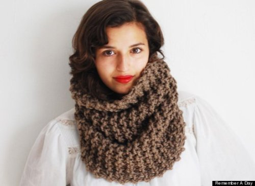 I die for this chunky infinity scarf!  I may need multiple colors <3