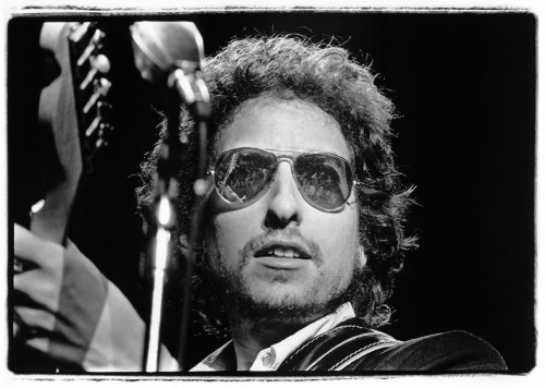 mfs:  tornandfrayed:  Bob Dylan at Madison Square Garden, New York City, January 31, 1974. Photo by Amalie R. Rothschild.  Good call.  Always.
